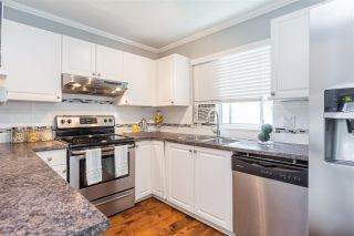 """Photo 8: 10 8716 WALNUT GROVE Drive in Langley: Walnut Grove Townhouse for sale in """"WILLOW ARBOUR"""" : MLS®# R2285019"""