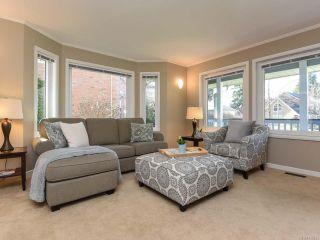 Photo 2: 1610 Kingsley Crt in COMOX: CV Comox (Town of) House for sale (Comox Valley)  : MLS®# 835825