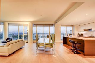 """Photo 14: 2701 1499 W PENDER Street in Vancouver: Coal Harbour Condo for sale in """"West Pender Place"""" (Vancouver West)  : MLS®# R2520927"""