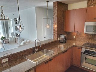 """Photo 10: 1603 11 E ROYAL Avenue in New Westminster: Fraserview NW Condo for sale in """"VICTORIA HILL"""" : MLS®# R2531954"""