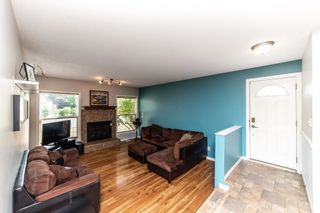 Photo 3: 1703 48 Street in Edmonton: Zone 29 House for sale : MLS®# E4253863