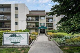 Photo 1: 305 2757 Quadra St in Victoria: Vi Hillside Condo for sale : MLS®# 842674