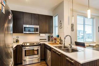 """Photo 9: 29 19433 68 Avenue in Surrey: Clayton Townhouse for sale in """"THE GROVE"""" (Cloverdale)  : MLS®# R2239745"""