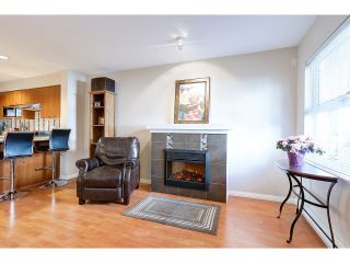 """Photo 3: 18 188 SIXTH Street in New Westminster: Uptown NW Townhouse for sale in """"ROYAL CITY TERRACE"""" : MLS®# R2038305"""
