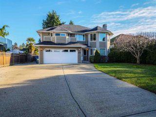 Photo 1: 4874 BLUEGROUSE Drive in Sechelt: Sechelt District House for sale (Sunshine Coast)  : MLS®# R2521983