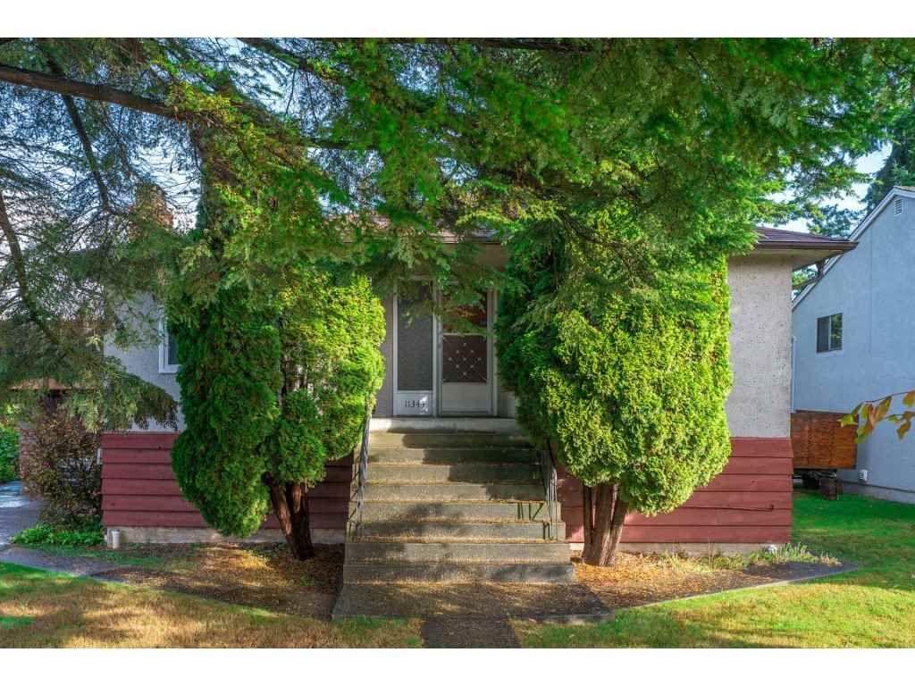 "Main Photo: 11343 82ND Avenue in Delta: Scottsdale House for sale in ""Scottsdale"" (N. Delta)  : MLS®# R2214107"