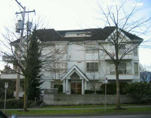 FEATURED LISTING: 751 CHESTERFIELD Ave North Vancouver