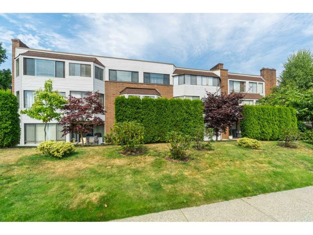 Main Photo: 301 32097 TIMS Avenue in Abbotsford: Abbotsford West Condo for sale : MLS®# R2482419