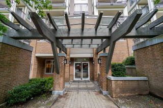 "Photo 1: 304 4833 BRENTWOOD Drive in Burnaby: Brentwood Park Condo for sale in ""Macdonald House"" (Burnaby North)  : MLS®# R2368779"