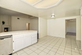 Photo 10: 331 Beaumont Ct in Vista: Residential for sale (92084 - Vista)  : MLS®# 170045073