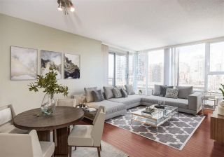 """Photo 2: 1101 583 BEACH Crescent in Vancouver: Yaletown Condo for sale in """"TWO PARK WEST"""" (Vancouver West)  : MLS®# R2578199"""