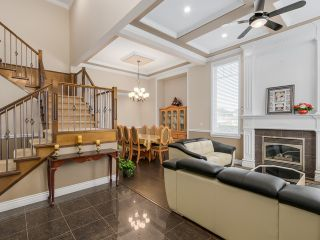 Photo 2: 14393 75A AV in Surrey: East Newton House for sale : MLS®# F1433747