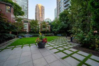 """Photo 13: 2802 909 MAINLAND Street in Vancouver: Yaletown Condo for sale in """"Yaletown Park II"""" (Vancouver West)  : MLS®# R2505728"""