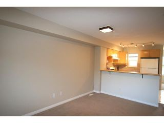 """Photo 4: 7 7100 LYNNWOOD Drive in Richmond: Granville Townhouse for sale in """"LAUREL WOOD"""" : MLS®# V891072"""