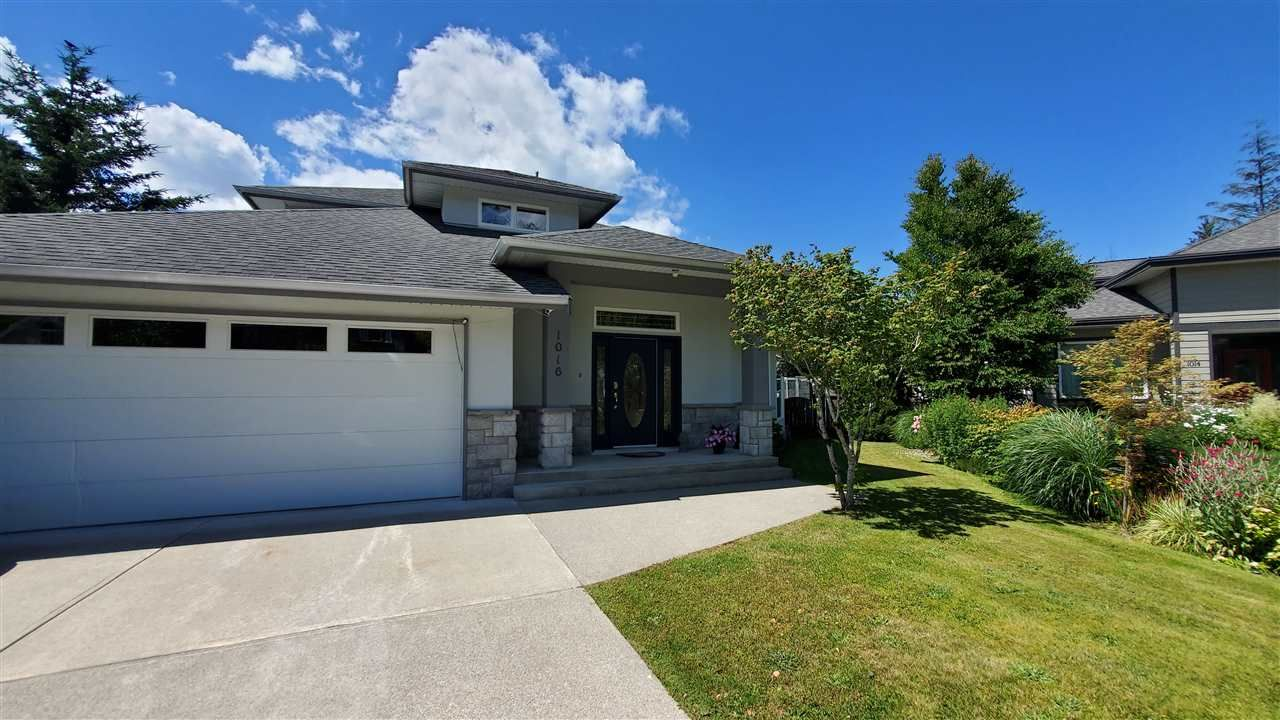Main Photo: 1016 REGENCY Place in Squamish: Tantalus House for sale : MLS®# R2476105