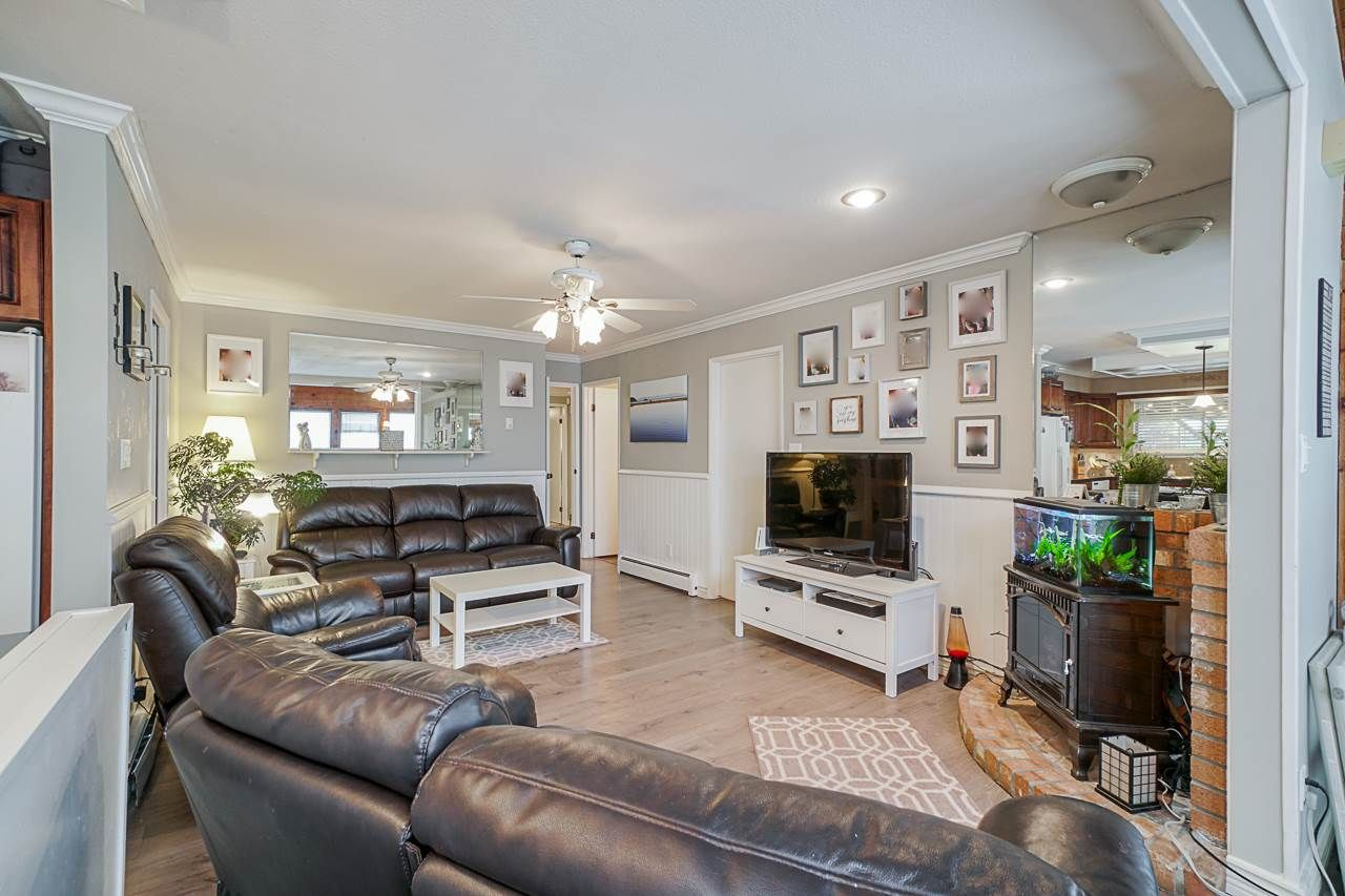 """Photo 6: Photos: 6240 STEVESTON Highway in Richmond: Gilmore House for sale in """"WESTWIND GREENHOUSES"""" : MLS®# R2510505"""