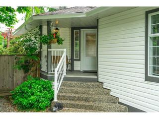 """Photo 4: 21387 87B Avenue in Langley: Walnut Grove House for sale in """"Forest Hills"""" : MLS®# R2585075"""