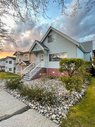 Photo 1: 3267 E 27TH Avenue in Vancouver: Renfrew Heights House for sale (Vancouver East)  : MLS®# R2564287