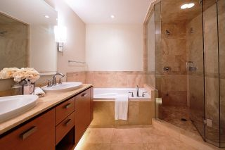 """Photo 12: 1103 1925 ALBERNI Street in Vancouver: West End VW Condo for sale in """"LAGUNA PARKSIDE"""" (Vancouver West)  : MLS®# R2618862"""