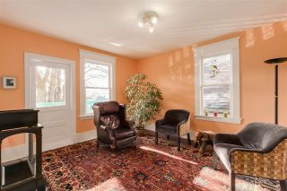 Photo 11: 1847 VENABLES Street in Vancouver: Hastings House for sale (Vancouver East)  : MLS®# R2034976