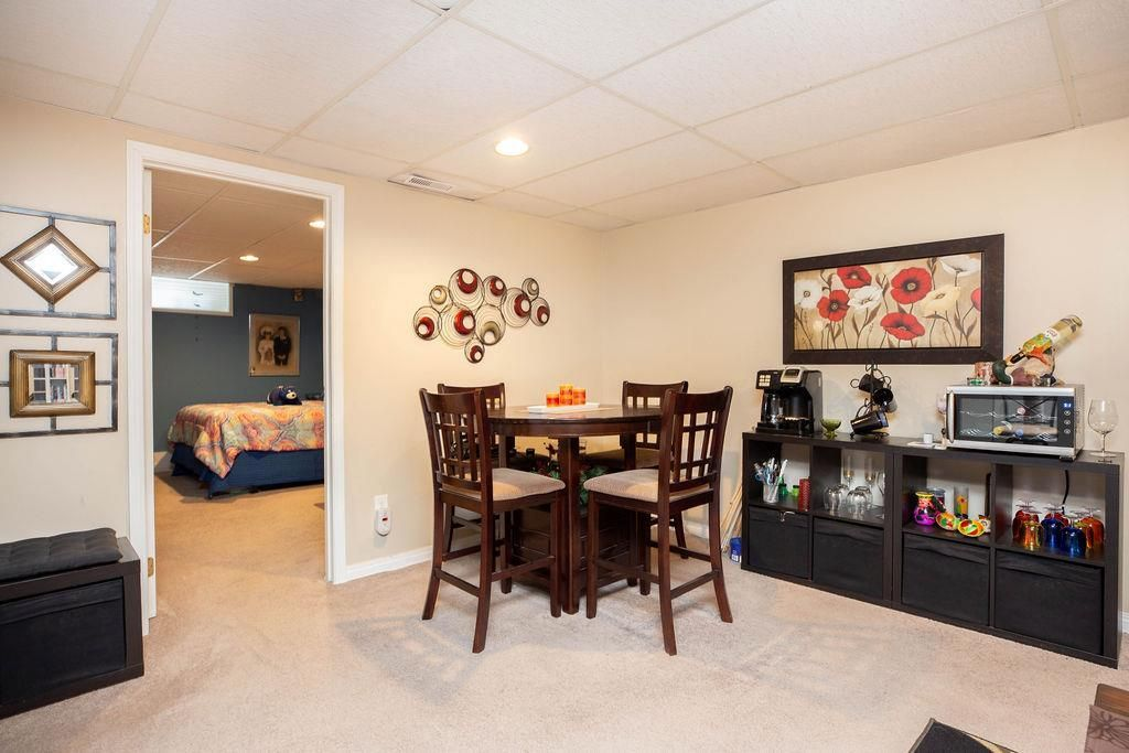 Photo 22: Photos: 61 Vincent Massey Boulevard in Winnipeg: Windsor Park Residential for sale (2G)  : MLS®# 202005748