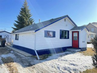 Photo 2: 10235 107 Street: Westlock House for sale : MLS®# E4233246