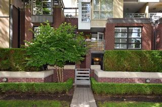 """Photo 17: 101 2137 W 10TH Avenue in Vancouver: Kitsilano Townhouse for sale in """"THE I"""" (Vancouver West)  : MLS®# R2097974"""