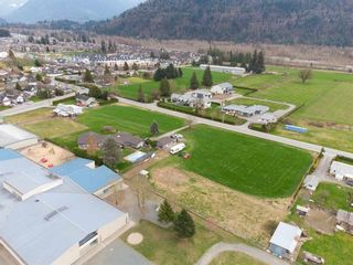 Photo 34: 5621 UNSWORTH Road in Chilliwack: Vedder S Watson-Promontory House for sale (Sardis)  : MLS®# R2560364