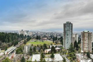 """Photo 15: 3006 4333 CENTRAL Boulevard in Burnaby: Metrotown Condo for sale in """"Presidia"""" (Burnaby South)  : MLS®# R2423050"""