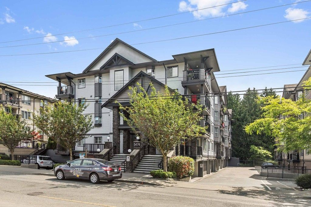"Main Photo: 208 5474 198 Street in Langley: Langley City Condo for sale in ""SOUTHBROOK"" : MLS®# R2184043"