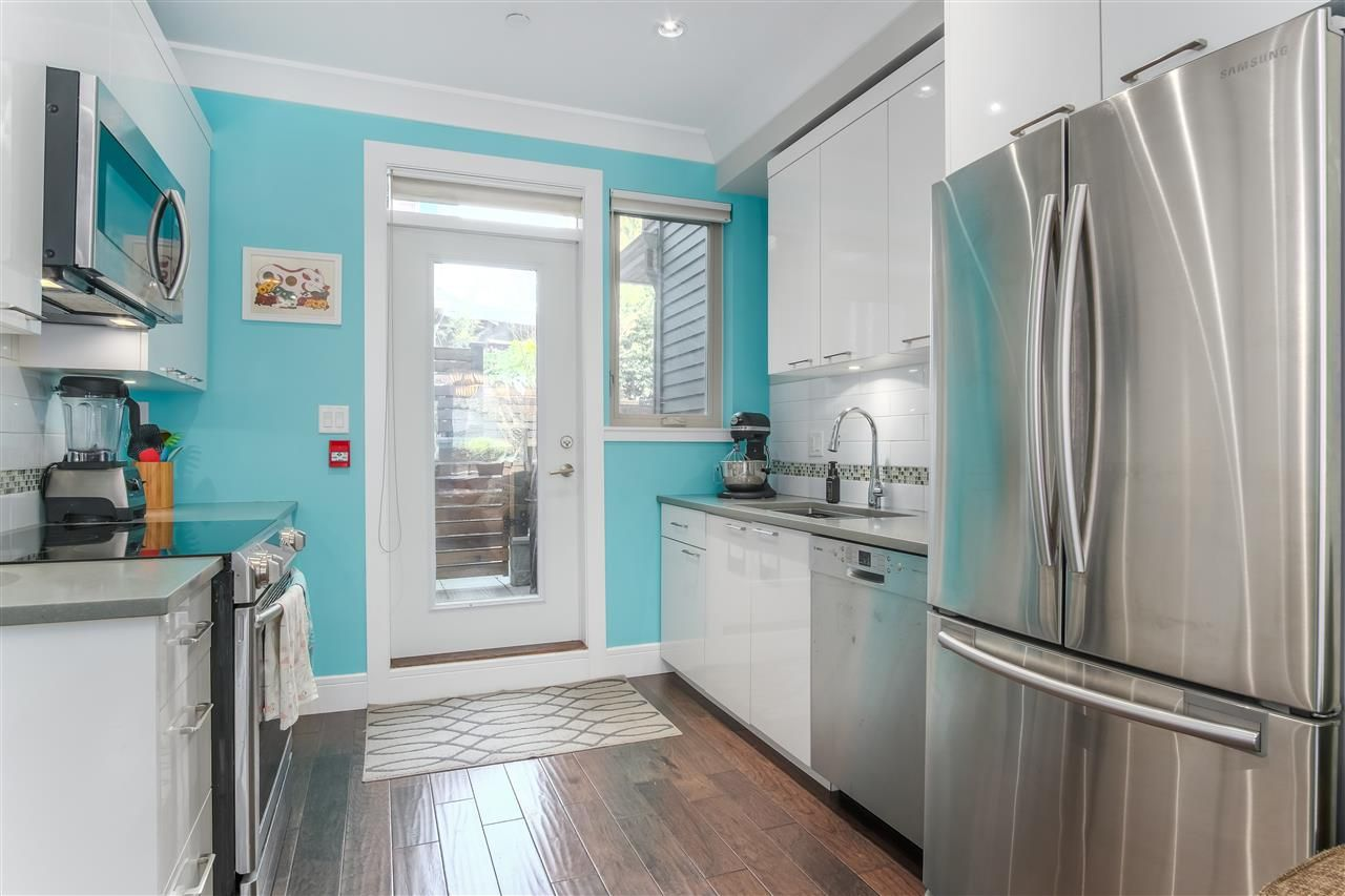 Photo 6: Photos: 3495 INVERNESS STREET in Vancouver: Knight Townhouse for sale (Vancouver East)  : MLS®# R2446835