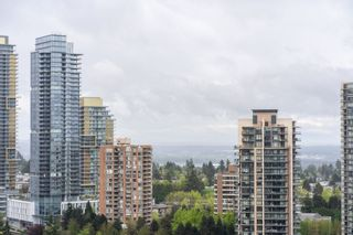 """Photo 16: 2705 5883 BARKER Avenue in Burnaby: Metrotown Condo for sale in """"ALDYNE ON THE PARK"""" (Burnaby South)  : MLS®# R2453440"""