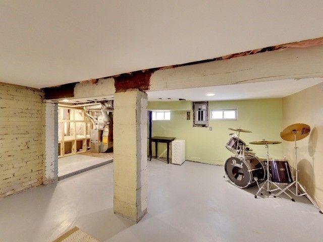 Photo 15: Photos: 131 Coleridge Avenue in Toronto: Woodbine-Lumsden House (Bungalow) for sale (Toronto E03)  : MLS®# E4120444