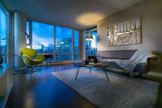 Photo 13: 2808 1033 MARINASIDE CRESCENT in Vancouver: Yaletown Condo for sale (Vancouver West)  : MLS®# R2238067