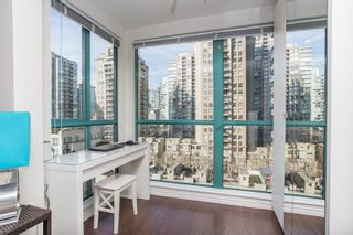 """Photo 6: 1210 939 HOMER Street in Vancouver: Yaletown Condo for sale in """"THE PINNACLE"""" (Vancouver West)  : MLS®# R2461082"""