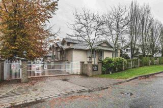 """Photo 1: 102 10538 153 Street in Surrey: Guildford Townhouse for sale in """"Regents Gate"""" (North Surrey)  : MLS®# R2119812"""