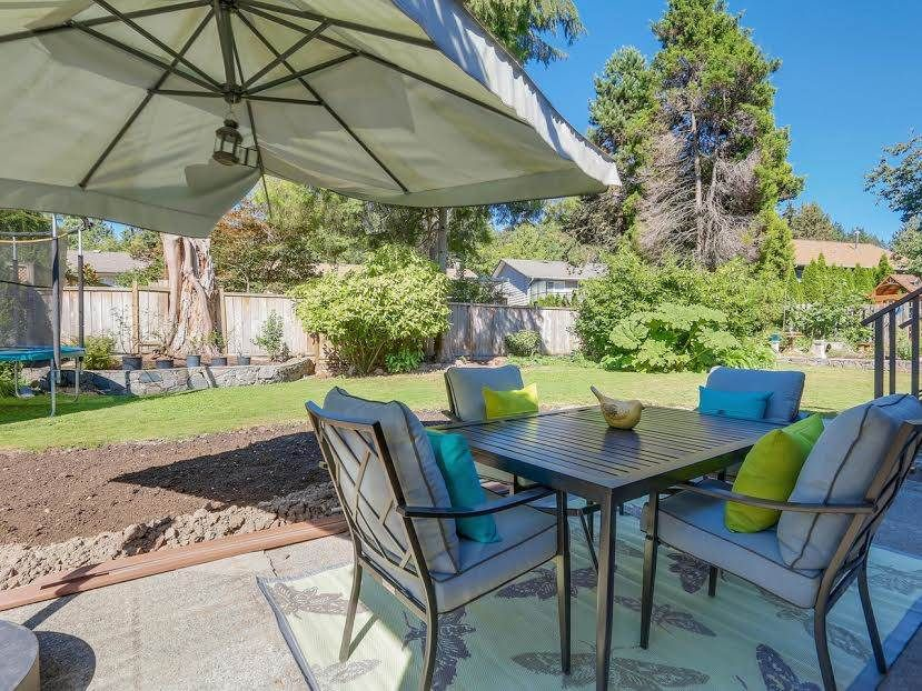 """Photo 18: Photos: 2624 DERBYSHIRE Way in North Vancouver: Blueridge NV House for sale in """"BLUERIDGE"""" : MLS®# R2101551"""
