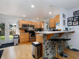 Photo 5: 2239 Setchfield Ave in : La Bear Mountain House for sale (Langford)  : MLS®# 870272
