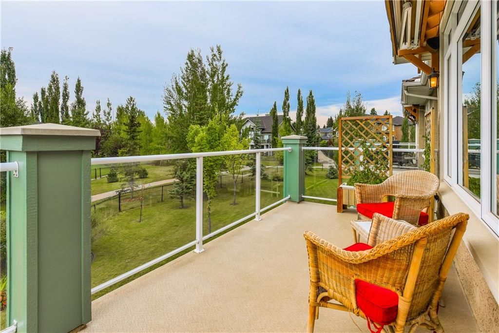 Photo 19: Photos: 73 DISCOVERY WOODS Villa SW in Calgary: Discovery Ridge Semi Detached for sale : MLS®# C4218779