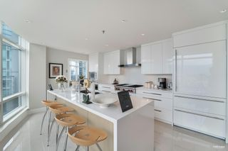 """Photo 10: 3101 1200 ALBERNI Street in Vancouver: West End VW Condo for sale in """"PALISADES"""" (Vancouver West)  : MLS®# R2601239"""