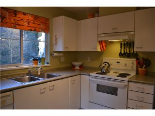 """Photo 5: 321 1252 TOWN CENTRE Boulevard in Coquitlam: Canyon Springs Condo for sale in """"THE KENNEDY"""" : MLS®# V1046370"""