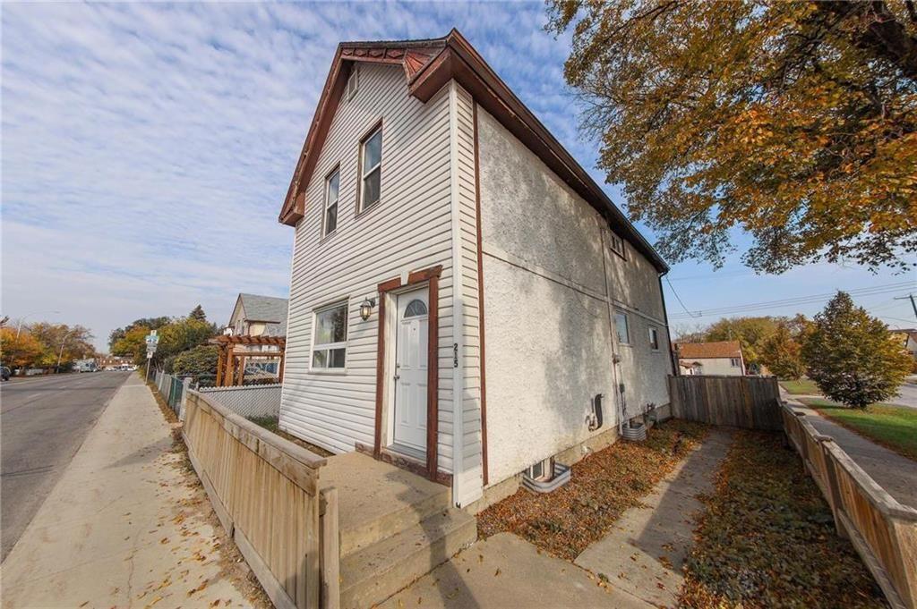 Main Photo: 215 Johnson Avenue in Winnipeg: Elmwood Residential for sale (3A)  : MLS®# 202124211