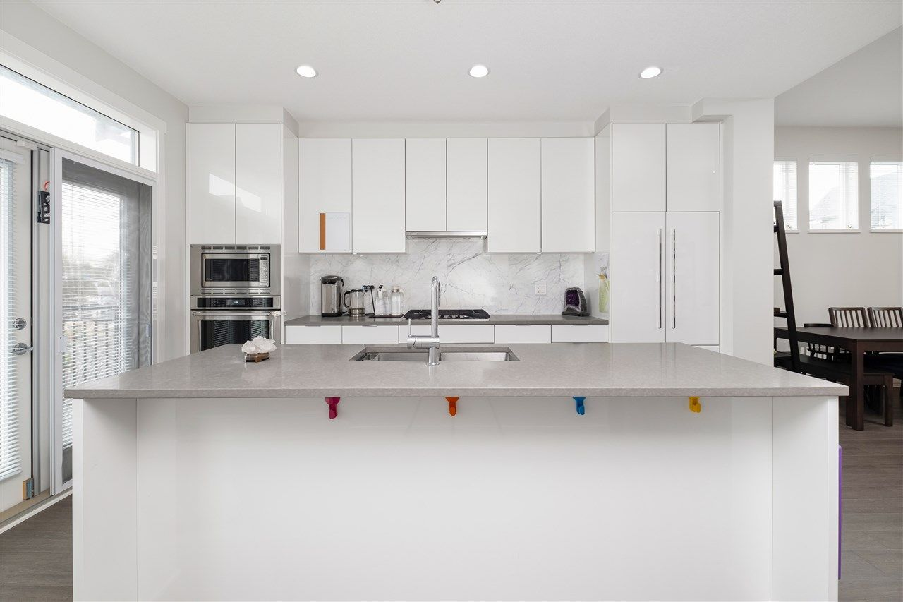 """Photo 13: Photos: 17 10388 NO. 2 Road in Richmond: Woodwards Townhouse for sale in """"KINGSLEY ESTATE"""" : MLS®# R2529818"""