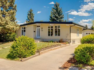 Photo 1: 5012 Bulyea Road NW in Calgary: Brentwood Detached for sale : MLS®# C4224301