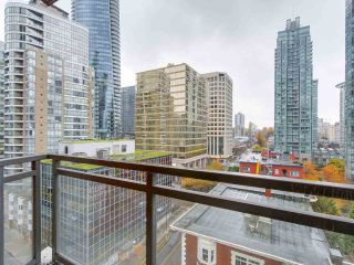 """Photo 15: 1202 1211 MELVILLE Street in Vancouver: Coal Harbour Condo for sale in """"The Ritz"""" (Vancouver West)  : MLS®# R2223413"""