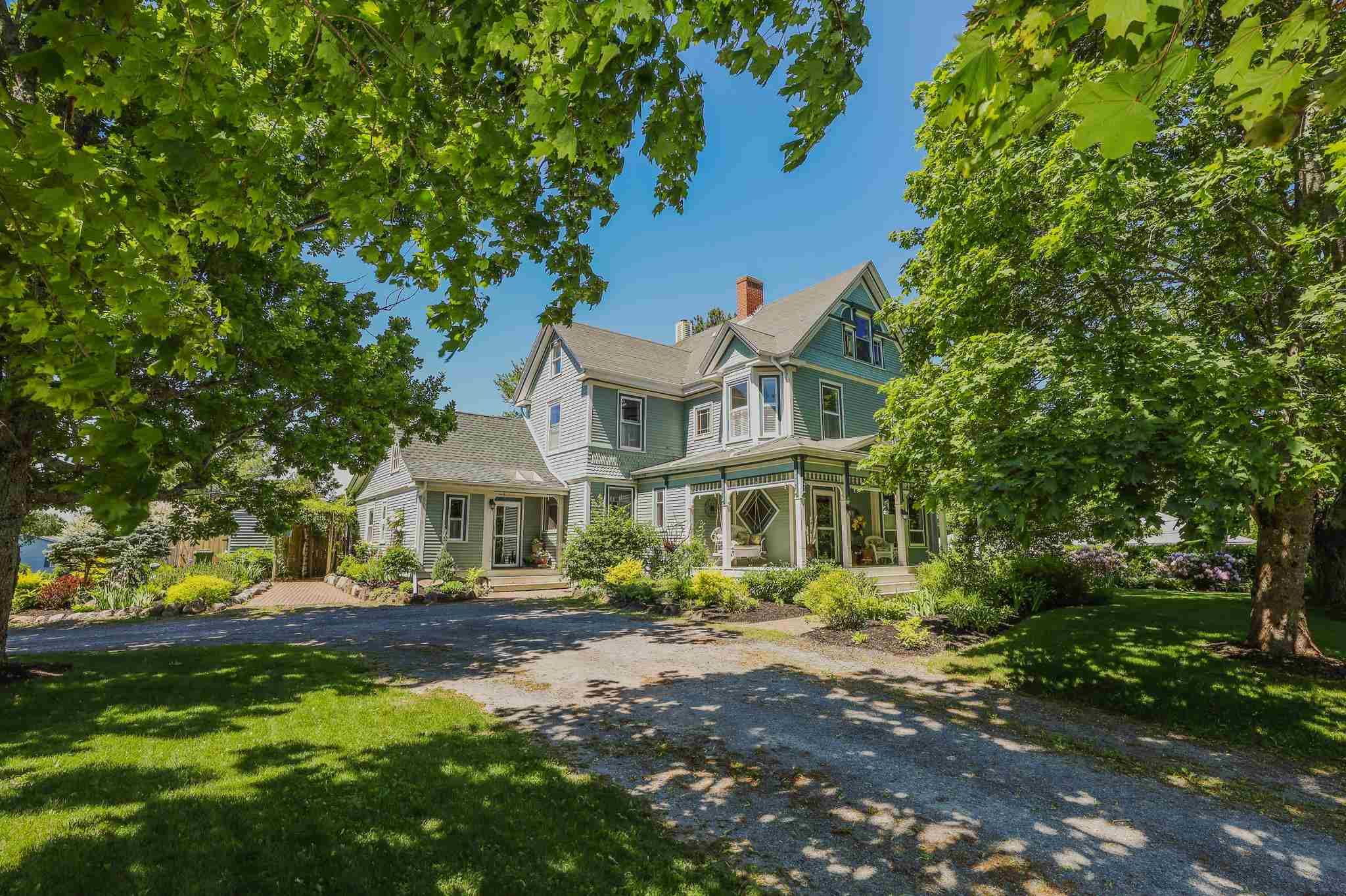 Main Photo: 850 Clifton Avenue in Windsor: 403-Hants County Residential for sale (Annapolis Valley)  : MLS®# 202115587
