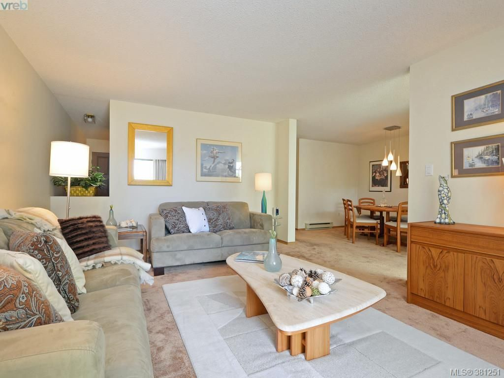 Photo 3: Photos: 26 10457 Resthaven Dr in SIDNEY: Si Sidney North-East Row/Townhouse for sale (Sidney)  : MLS®# 766051