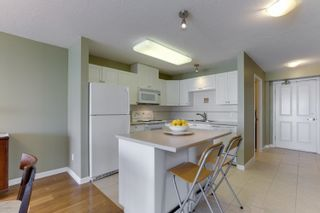 """Photo 10: 802 612 SIXTH Street in New Westminster: Uptown NW Condo for sale in """"The Woodward"""" : MLS®# R2596362"""