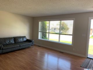 Photo 2: 414 Willow Bay in Estevan: Scotsburn Residential for sale : MLS®# SK815096