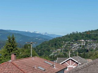 Photo 24: 10 WARWICK Avenue in Burnaby: Capitol Hill BN House for sale (Burnaby North)  : MLS®# R2603486
